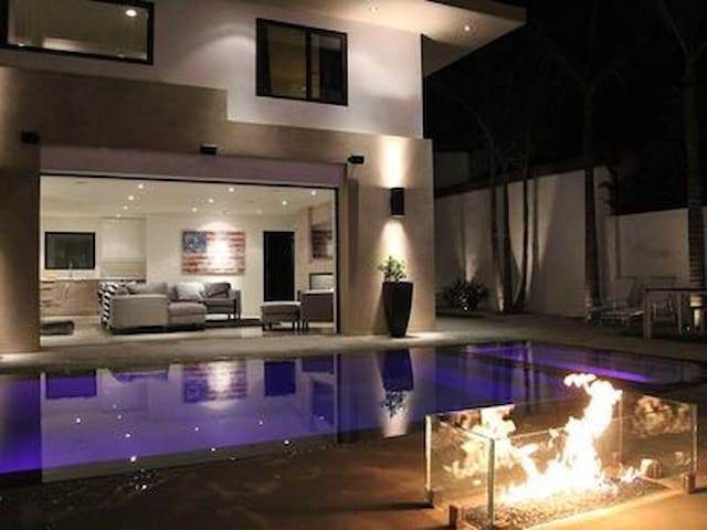 Brand New Home in the Heart of WEHO - Los Angeles - Dom