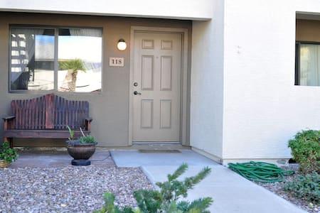 2 BR Condo by Arcadia - Long stays - Phoenix - Apartamento