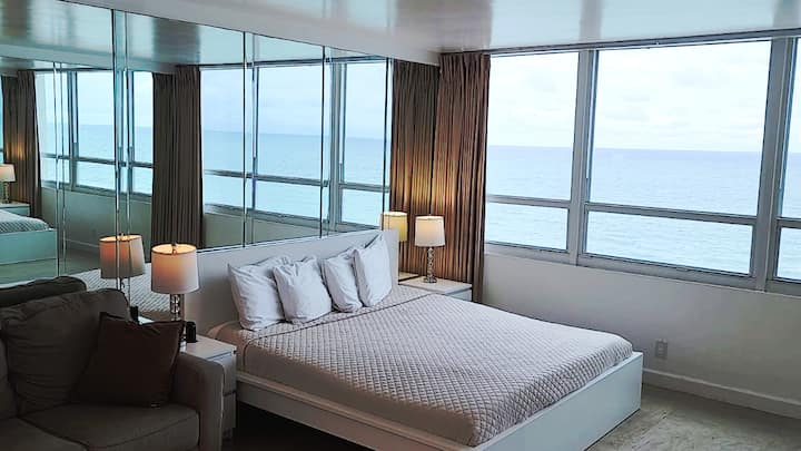 OCEANVIEW Condo King size bed with free parking