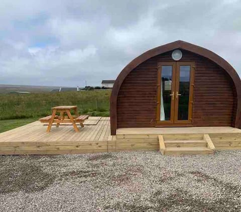 Camster self catering Pod (Craggy Call) + hot tub