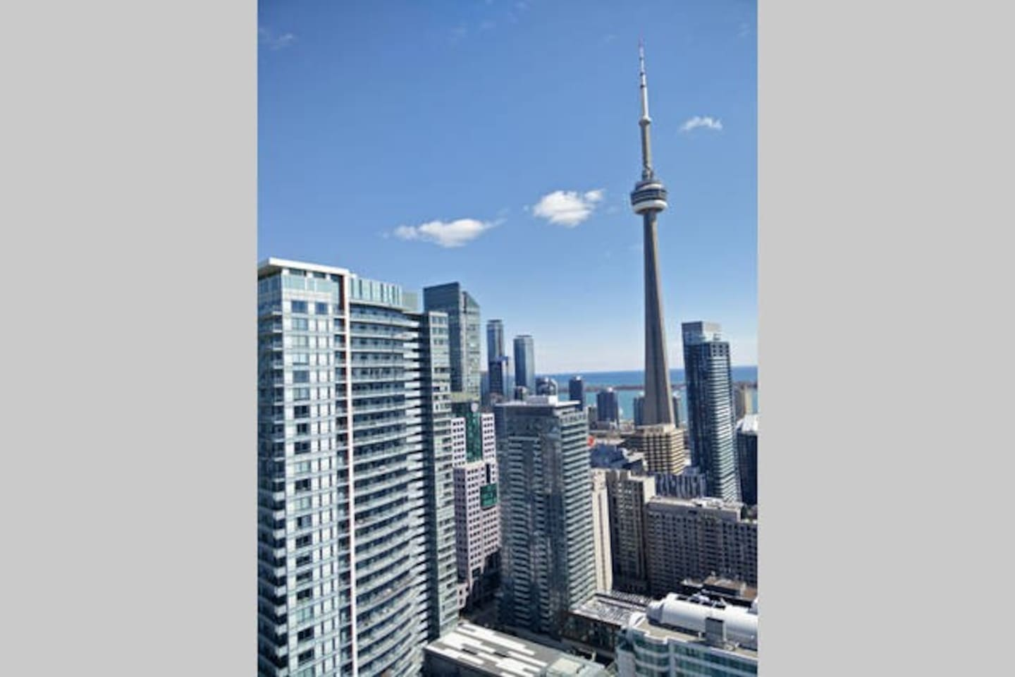 CN Tower View - Apartments for Rent in Toronto, Ontario, Canada