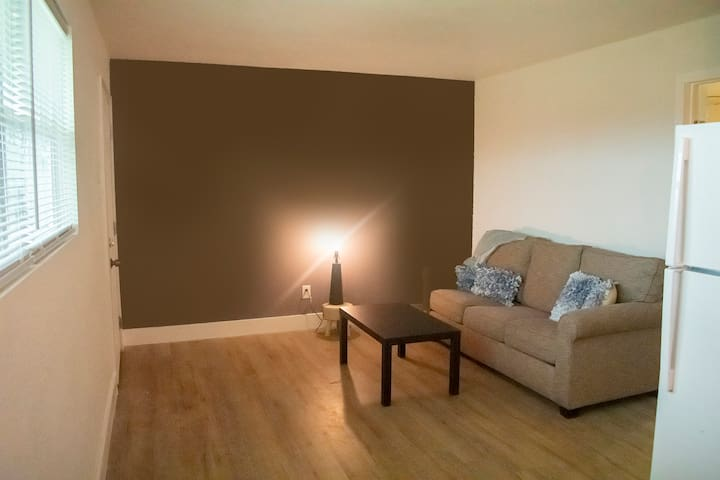 Remodeled Apt-Closest BNB To E. Gate Of Fort Hood