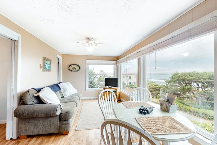 Quaint Coastal Retreat W/ Ocean View, Beach Access & Wood-Burning Fireplace!