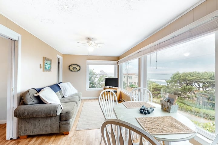 Quaint Coastal Retreat W/ Ocean View, Beach Access & Wood-Burning Fireplace!