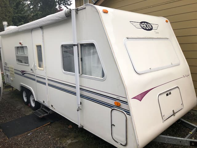 RV/trailer w/house access close to PLU and JBLM.