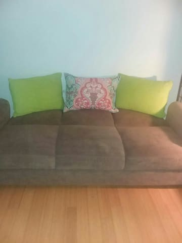 Cozy sofa bed Yonkers Riverdale