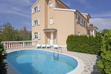 3BD Lovely Flat with swimming pool - Vinkuran