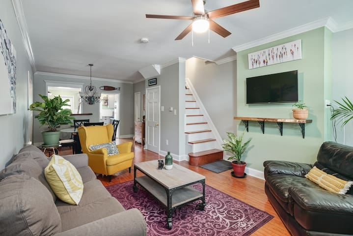 Beautiful Home in the Heart of Fishtown-Dogs Wlcm!