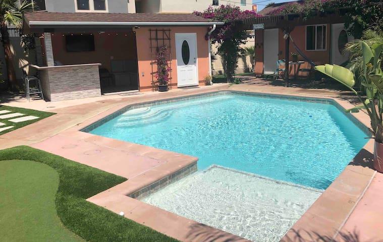 Poolside Private Casita in West LA