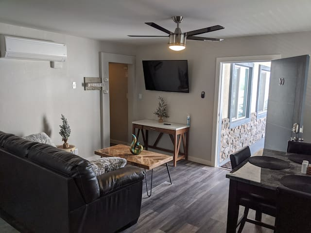 Modern & Spacious 2 Bedroom near Strip | UNIT 10E