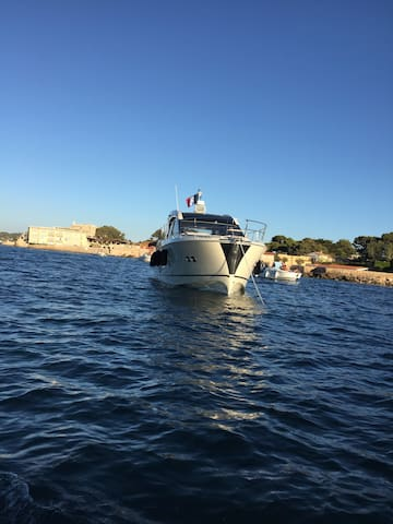 Location Yacht 15 mètres Monte Carlo 5S - Bandol - Bateau