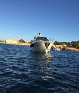 Location Yacht 15 mètres Monte Carlo 5S - Bandol