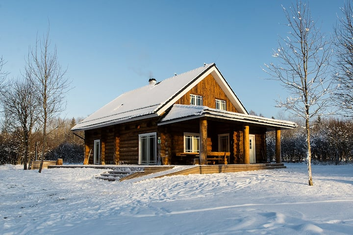 Humala Holiday Home with 4 bedrooms