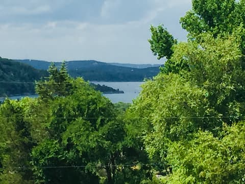 The MIL House- Table Rock Lake - No Cleaning Fees