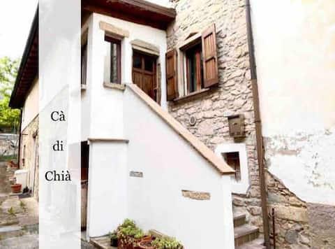 Borgo magico a due passi dalla Rocchetta Mattei