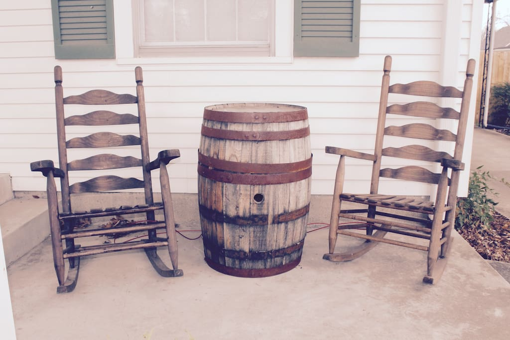 No rustic home in Louisville would be complete without Amish-built rocking chairs and a genuine bourbon barrel. Here we love to share meals, sip drinks, and enjoy the sunset whenever the weather permits.