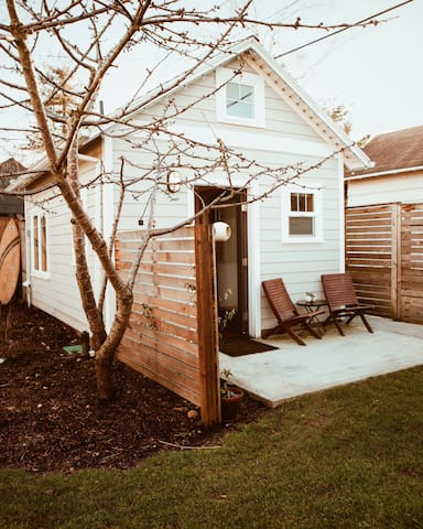 Portland Tiny House (Alberta Arts)