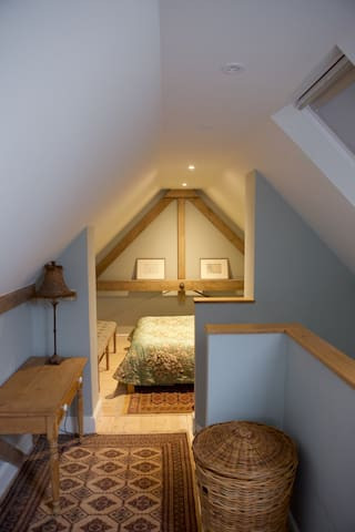 Flexible cosy and modern space in a converted barn