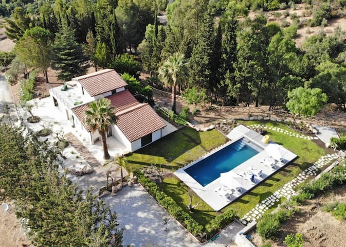 Stylish Villa with Stunning Sea Views