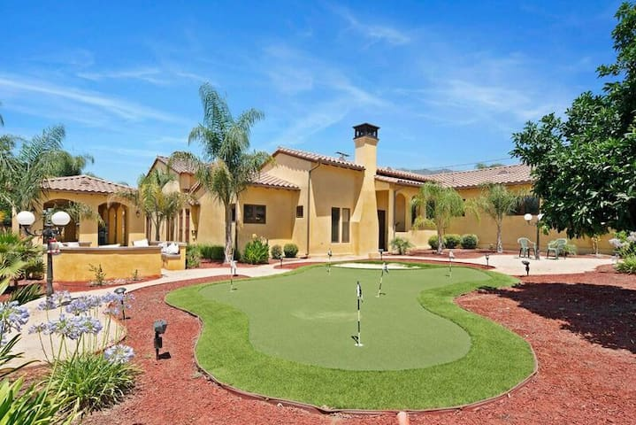 Luxury Villa Oasis- 12 BED 7 BATH - Mansion Living