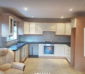 Cosy flat great for professional couple.