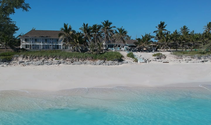 The Exuma Palms Boutique Hotel - (Heron - 1 King)