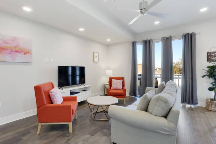 Bougie Bywater 1br w/ Pool 320