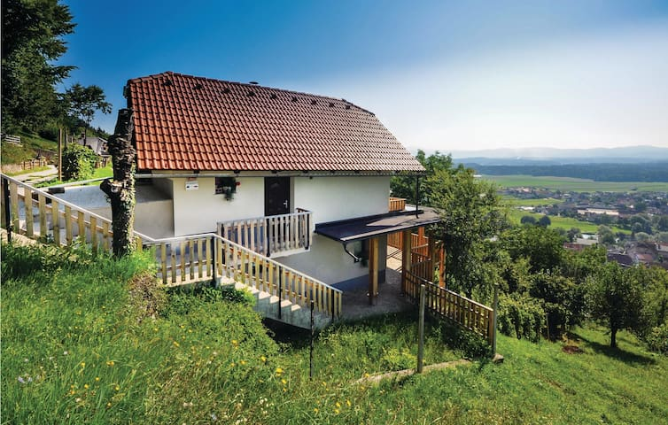 Holiday cottage with 1 bedroom on 108 m²