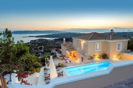 Villa Kallisti- A dreamhouse with magnificent view - Aghios Emilianos - Villa