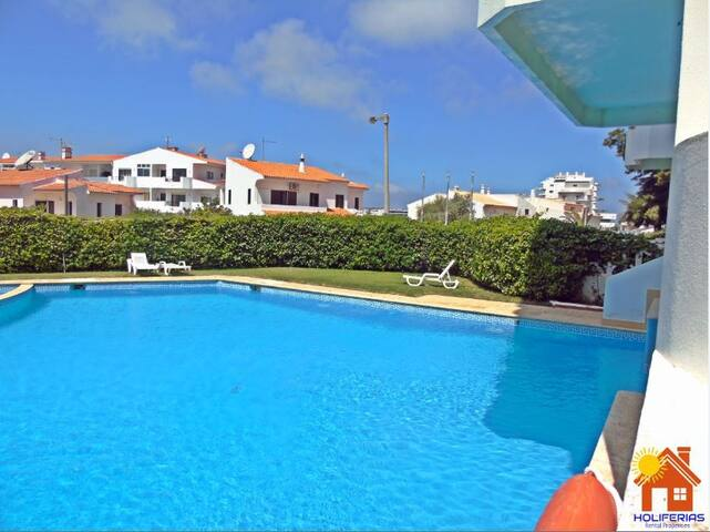 Holiferias 2 Bedrooms Apart Amoreira Mar,  pool