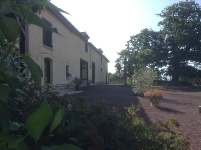 2 chambres spacieuses dans une longère bretonne
