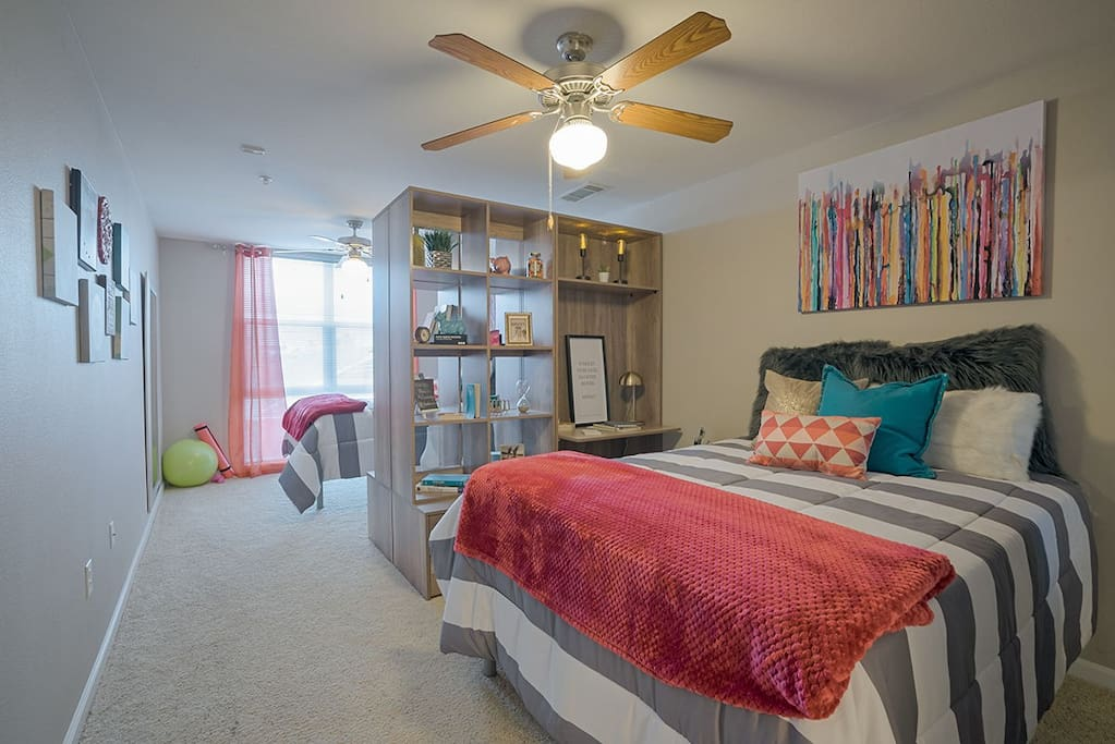 Rio West Apartment Bedroom Summer Sublease Apartments For Rent In Austin Texas United States