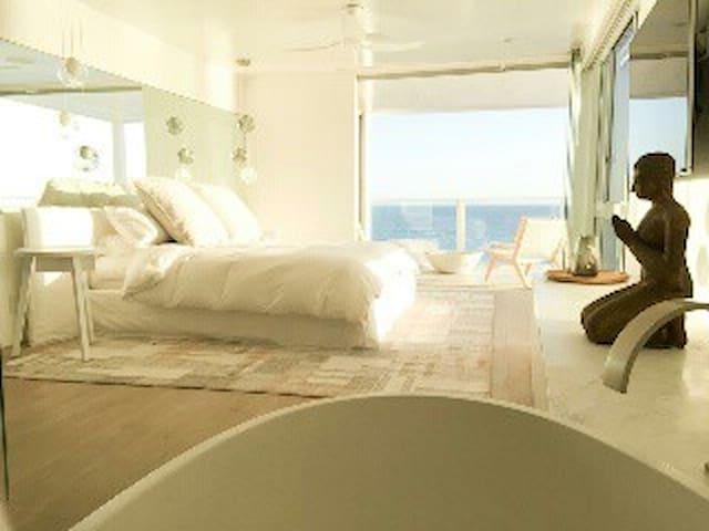Best of Billionaires Beach, Malibu! - Malibu - Osakehuoneisto