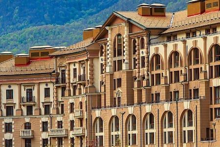 Апартаменты с кухней (2спальни)(подъемник включен)