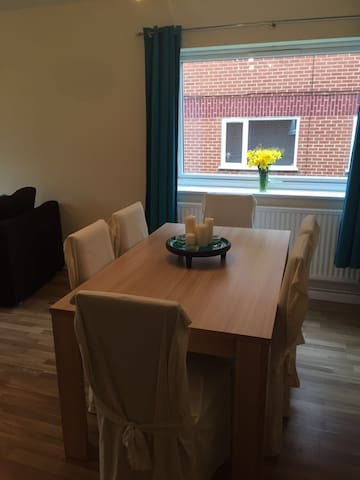 Double room stones throw from Wembley Stadium - Wembley