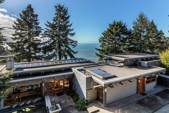 Architectural Gem w/ Ocean Views - Sanctuary House