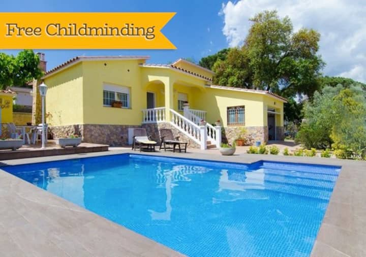 Catalunya Casas: Peaceful Villa Sils, just 20 km from Costa Brava beaches!