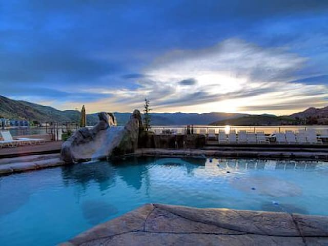 Stunning Grandview Condo (sleeps 6) - Chelan - Appartement en résidence