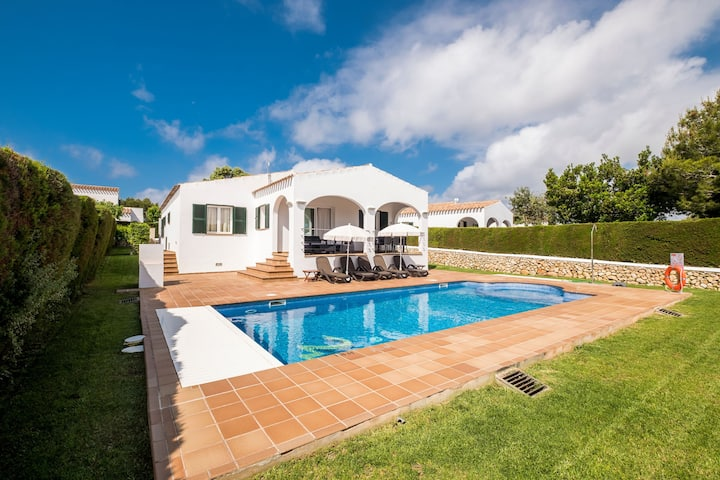 Holiday home with private pool - Villa Finesse