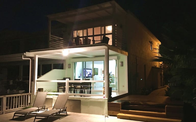 Contemporary 2BR Villa in Jolly Harbour - Jolly Harbour - Villa