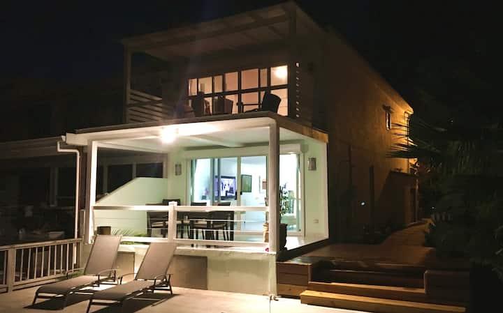 Contemporary 2BR Villa in Jolly Harbour