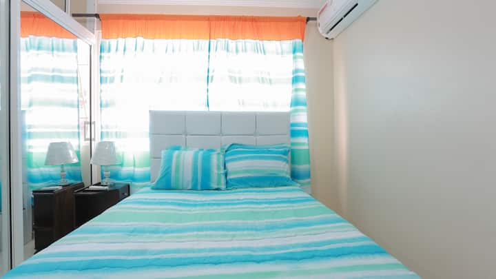 habitación acogedora con acceso a todas las áreas.