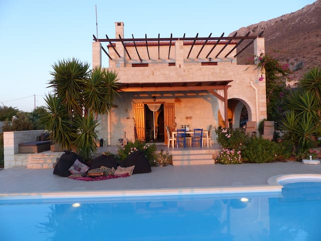 Villa Kalaya - Stunning Views and Private Pool