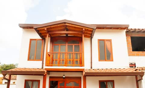 Casa estilo chalet completa en Zapatoca