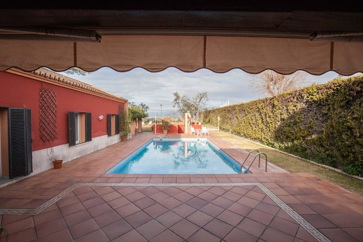 Dreamy escapeVilla 5BR near Seville-Pool