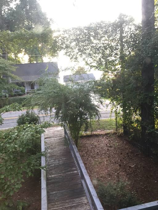 Front view from the upstairs to the lake