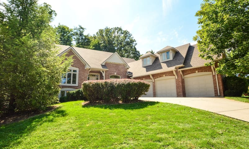 5000 Sq. Ft. luxury home - Indianapolis - Rumah