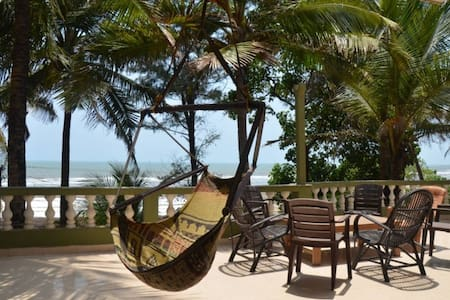 Beach facing Spacious Penthouse @ Ashvem Beach - Apartamento