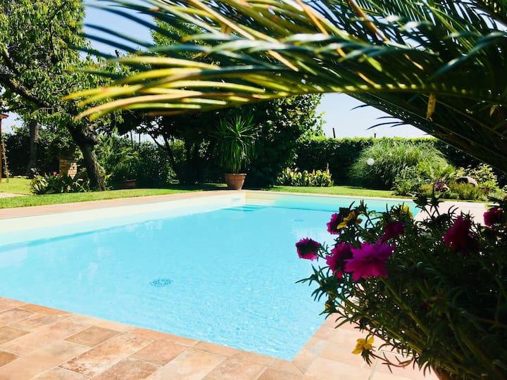 Casa Carlotta, giardino con piscina!!