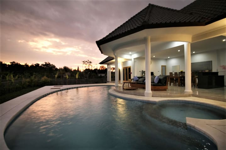 Villa Orchid, private pool,  housekeeper service